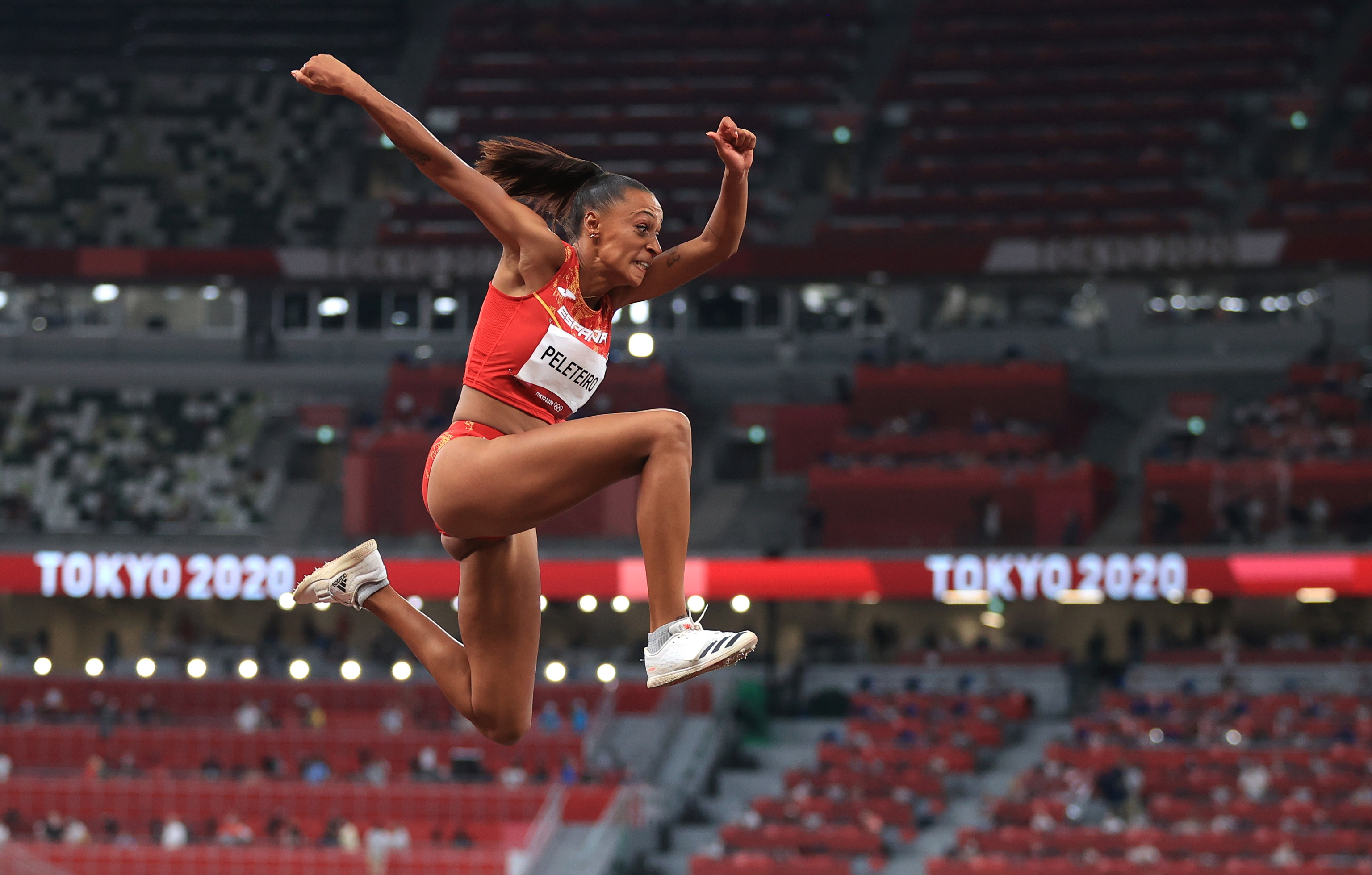 Ana Peleteiro, durante la clasificación de triple salto.