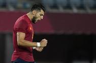 Rafa Mir, con un 'hat trick', lleva a España a semifinales en una montaña rusa
