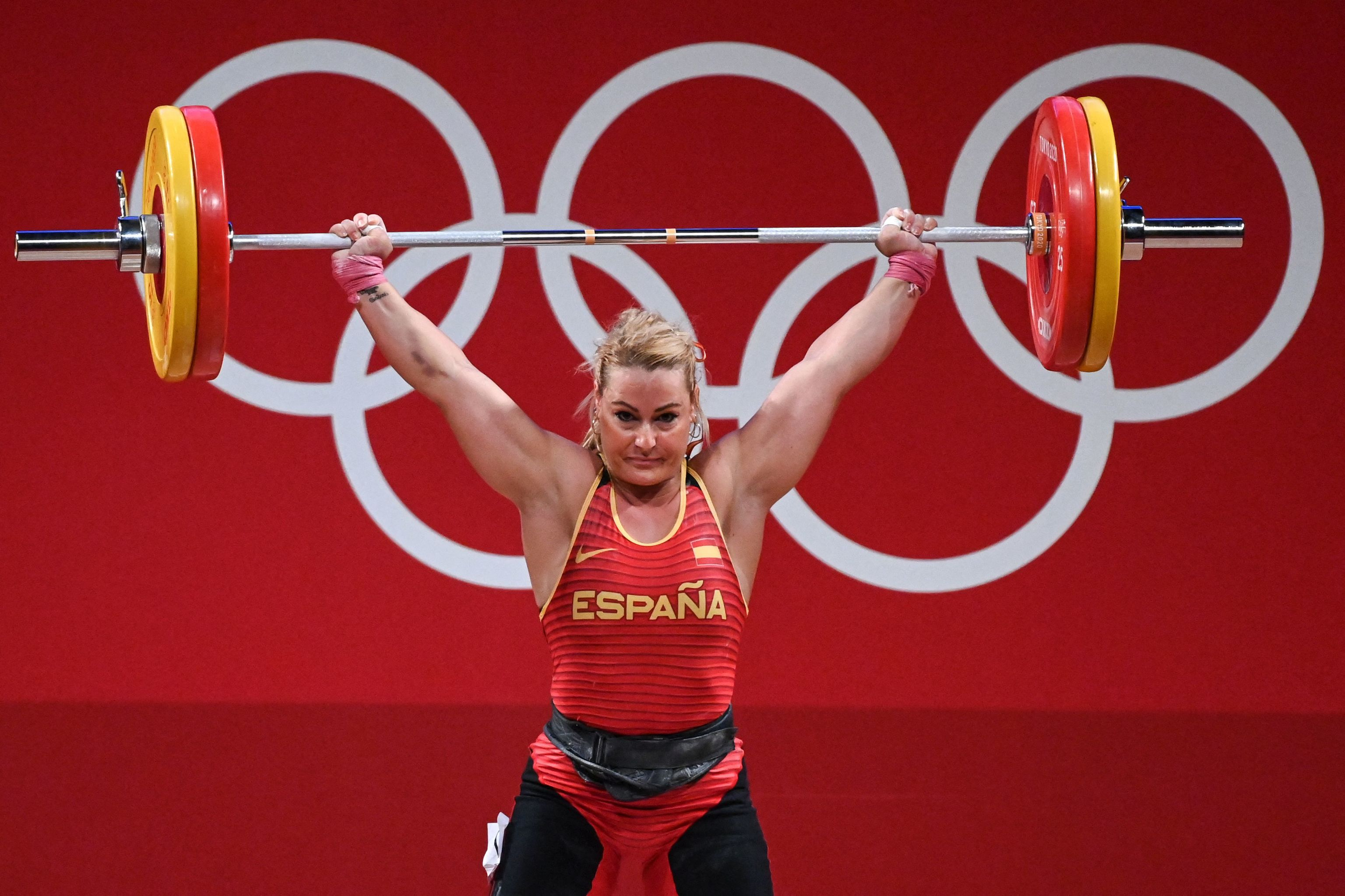 La halterófila está buscando otro triunfo olímpico.