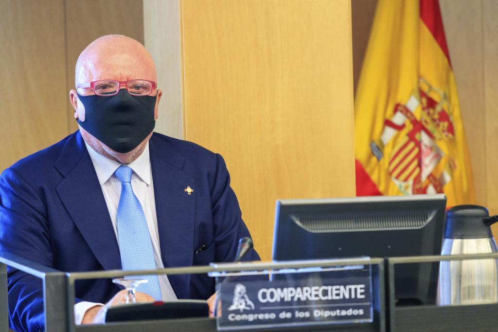 García Castellón propone juzgar a Villarejo y tres mandos policiales por investigar a un empresario marbellí