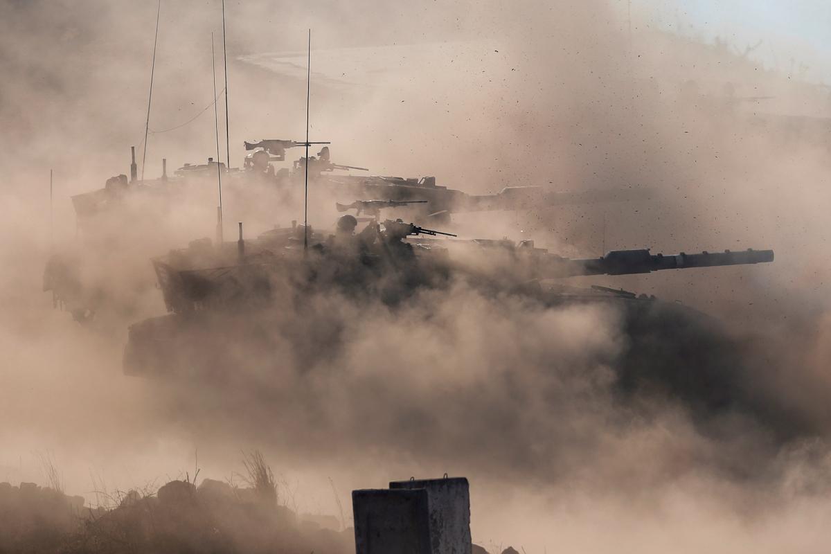Tanques Merkava 4 israelíes durante un entrenamiento militar.