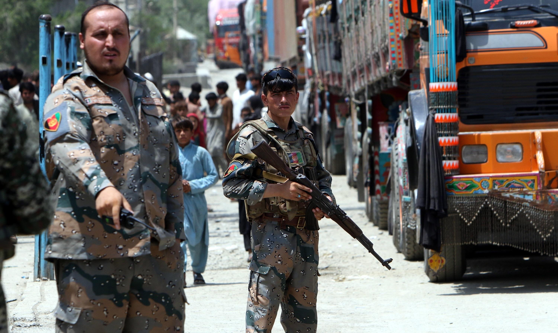Soldados afganos en la frontera entre Afganistán y Pakistán.