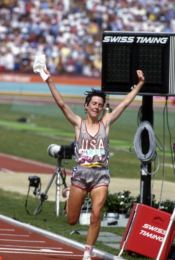 Joan Benoit gana el maratón en Los Ángeles'84.