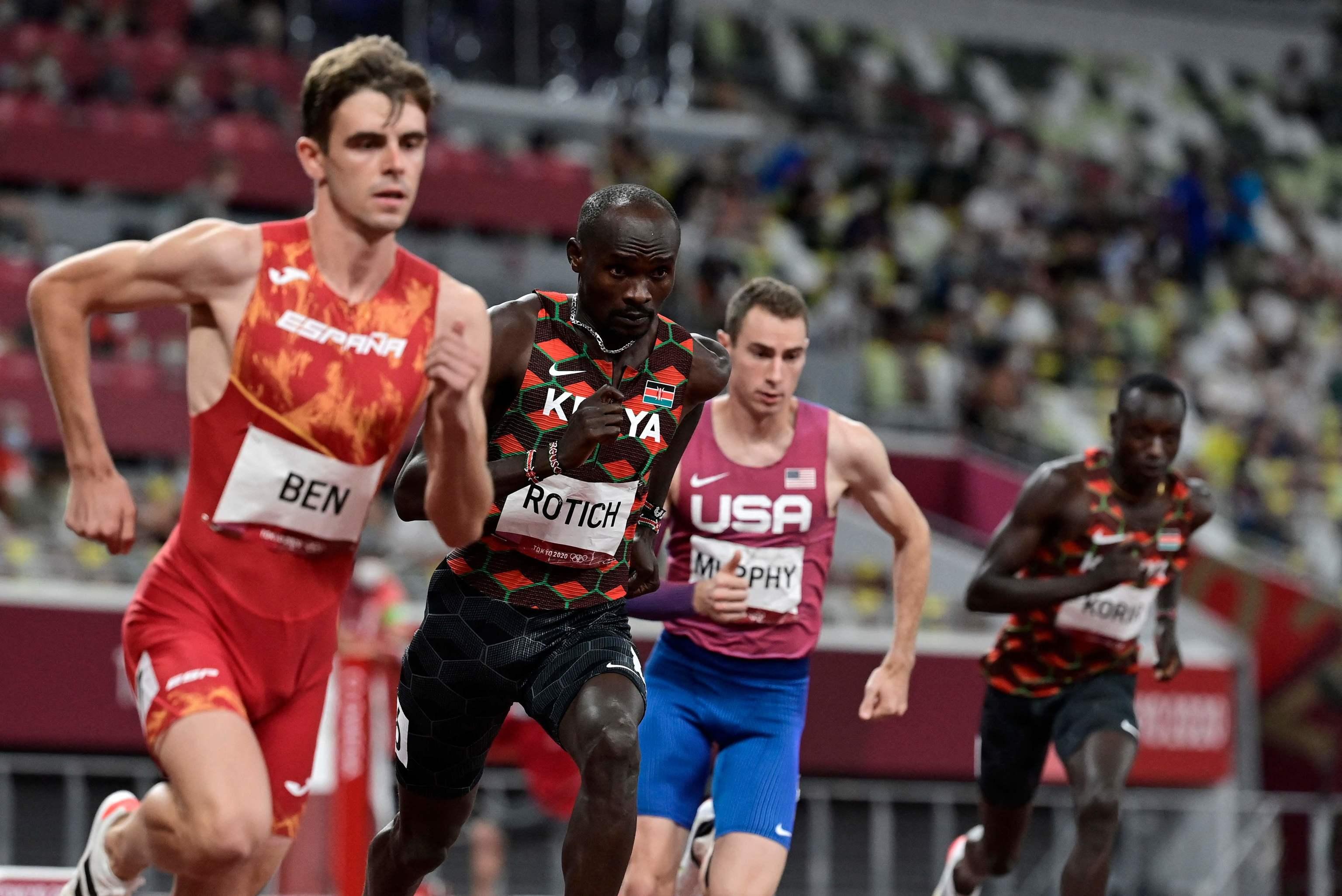 Adrián Ben, durante la final de 800.