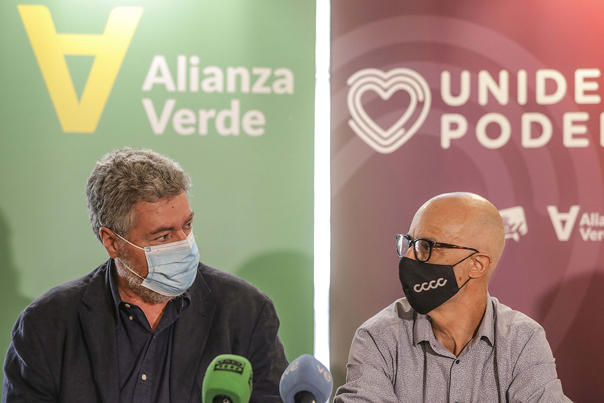 Juan López de Uralde y Julià Álvaro, en julio.