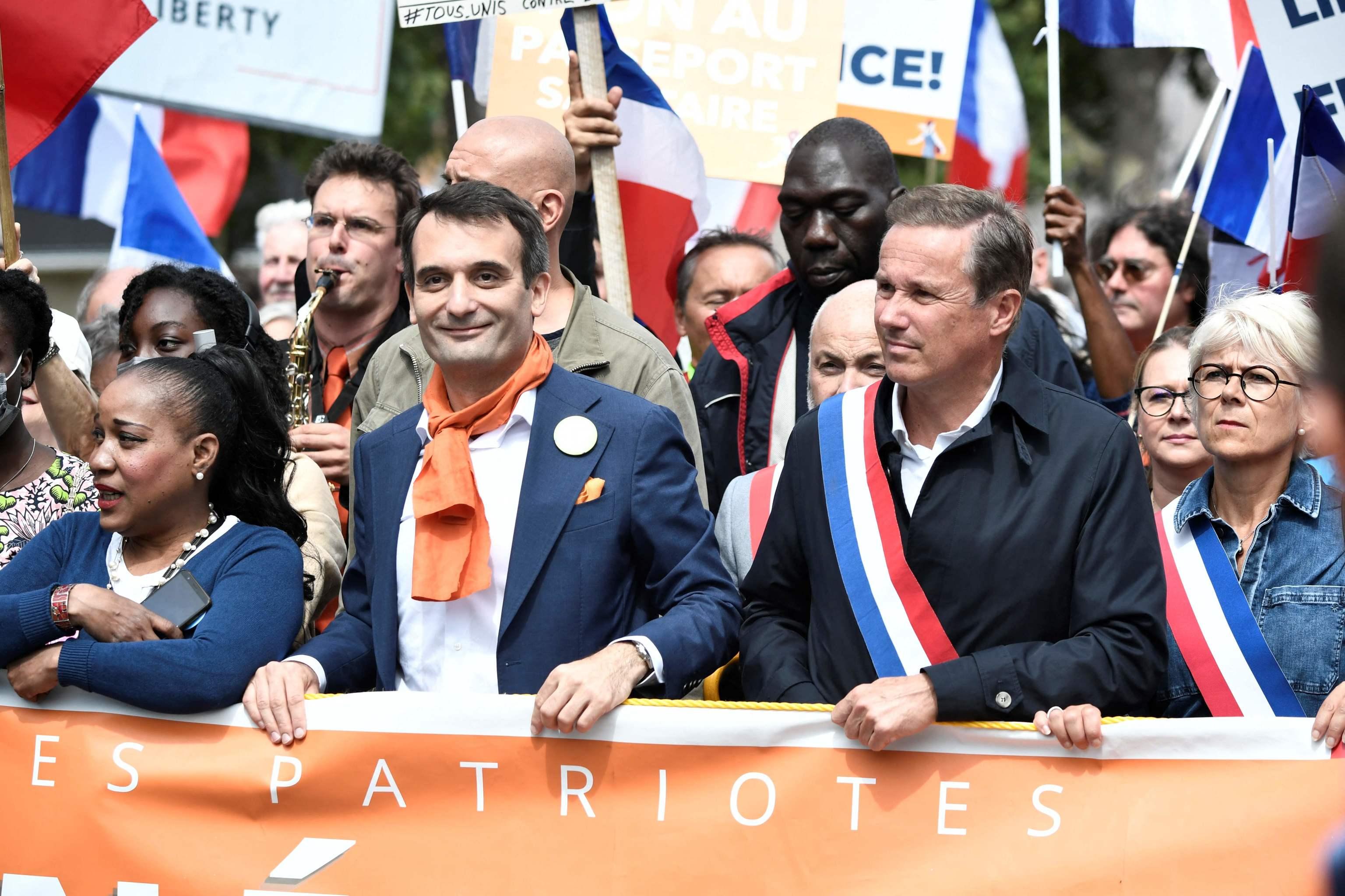 El ultraderechista Florian Philippot encabezando una de las manifestaciones de París.