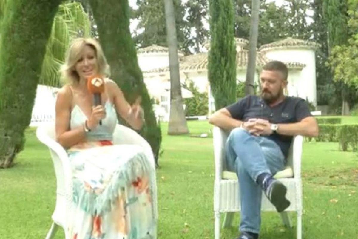 Susanna Griso interrumpe sus vacaciones para entrevistar a Antonio Banderas y aclara si fichará a Olga Moreno