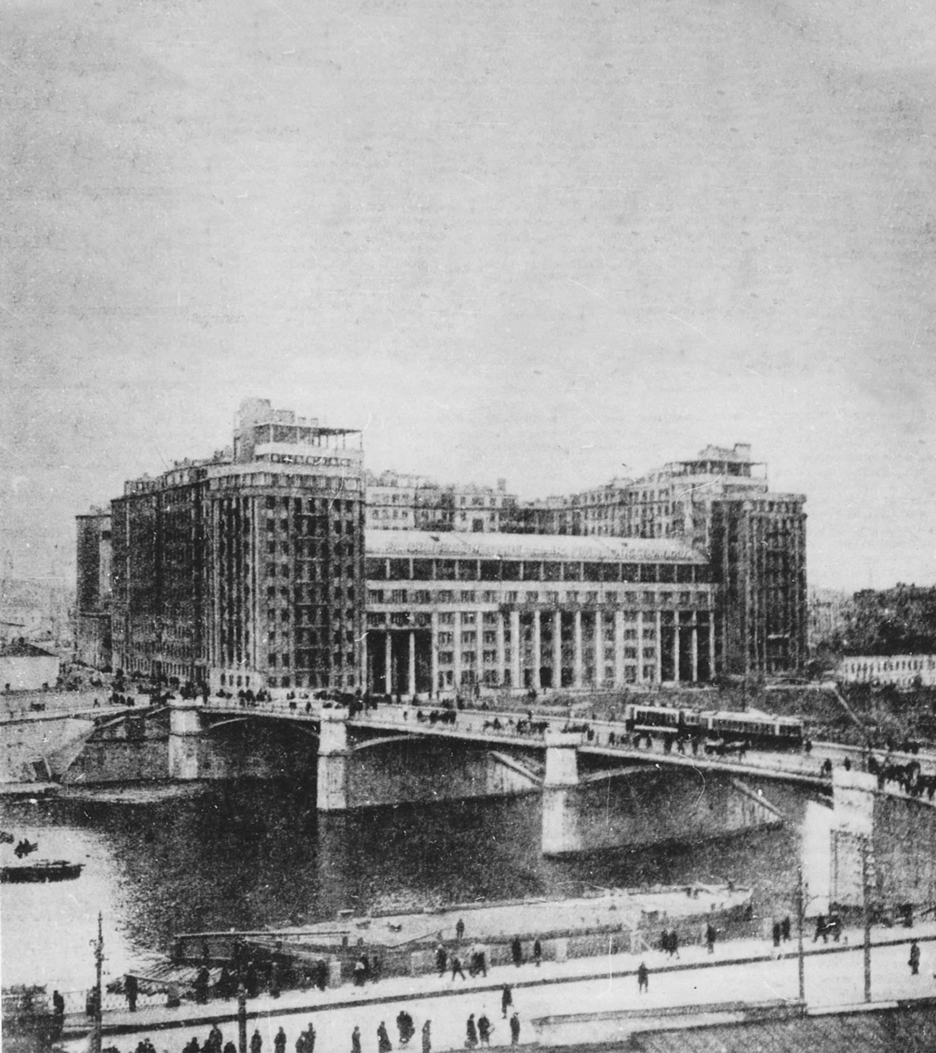 El Edificio del Malecón, poco después de se inaugurado.