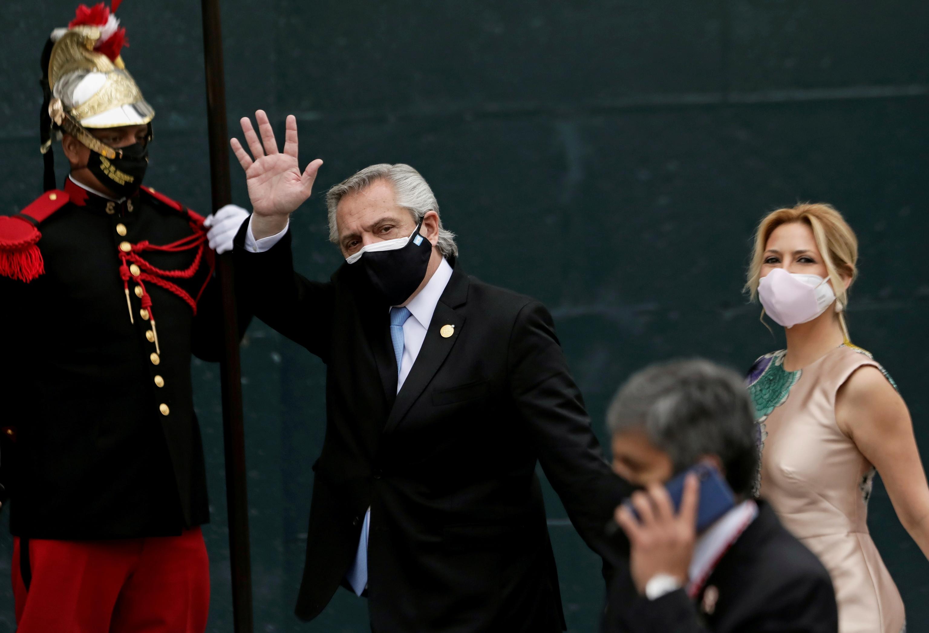 El presidente argentino, Alberto Fernández, junto a Fabiola Yanez, el pasado julio.