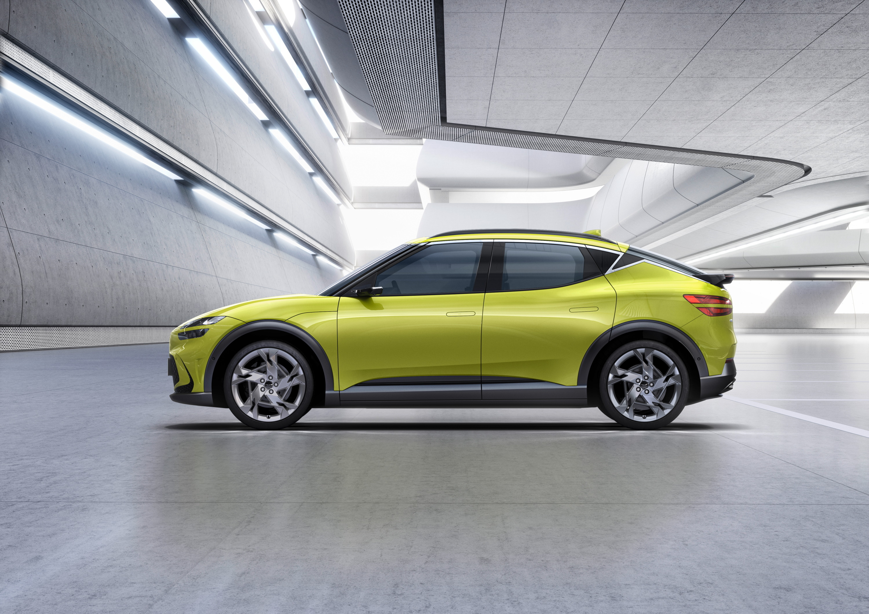 La estética cupé parece pedir 'guerra' al Tesla Model Y y al Audi Q4 e-Tron.