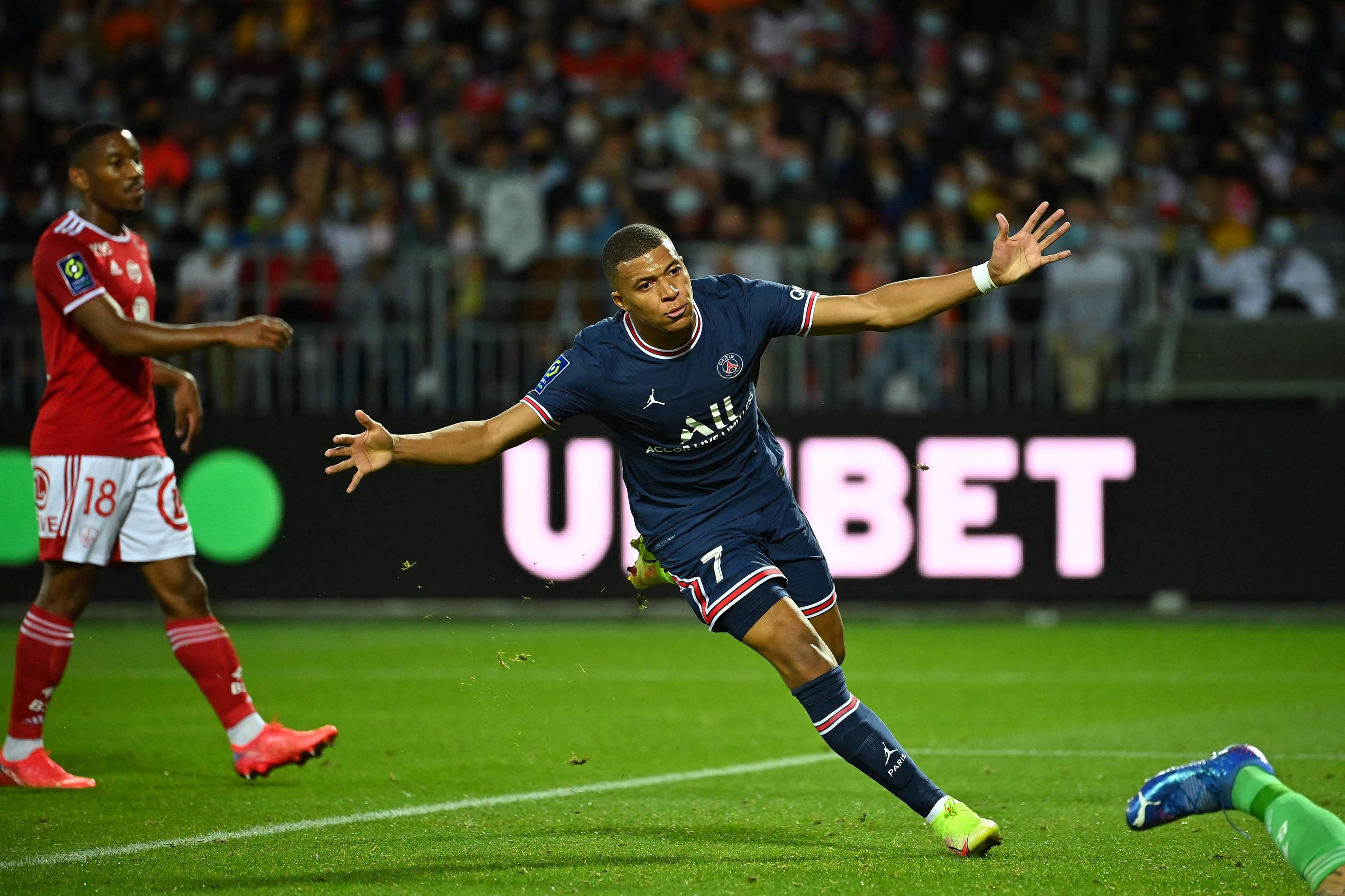 Mbppé celebra el gol marcado el pasado viernes