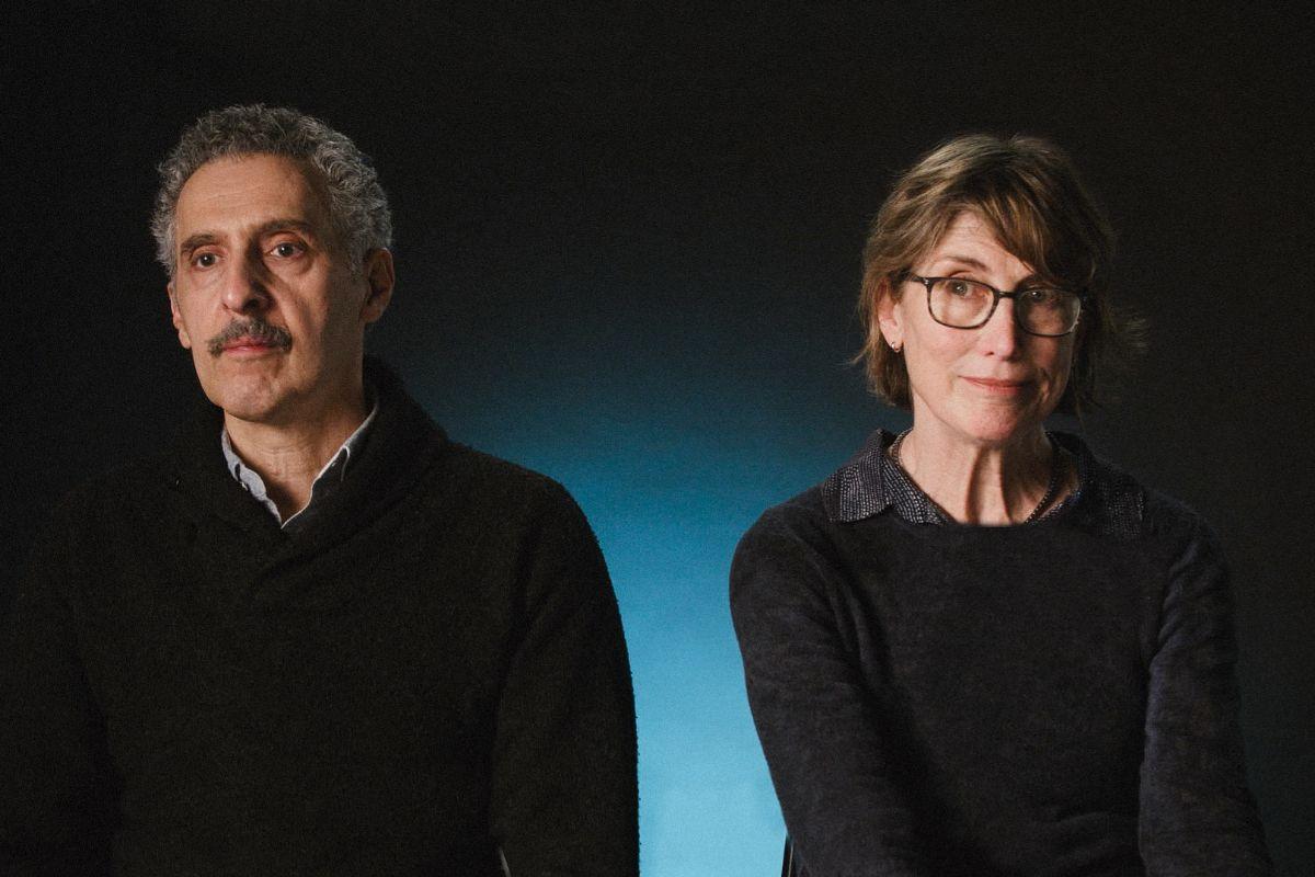 John Turturro y Katherine Borowitz, su mujer.