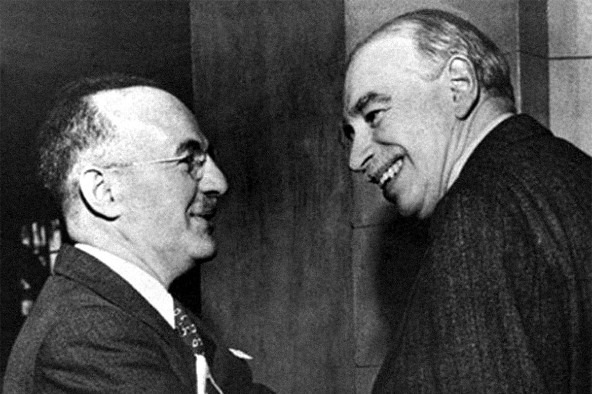 Friedrich Hayek (izquierda) y John Maynard Keynes