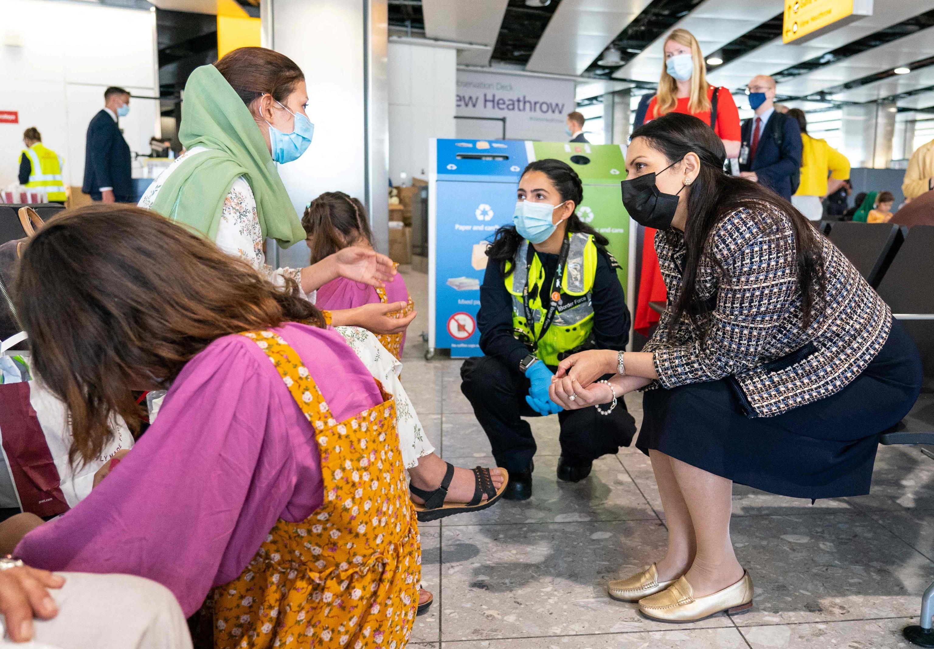 پریتی پاتل از ورود مهاجران افغان به لندن استقبال کرد.