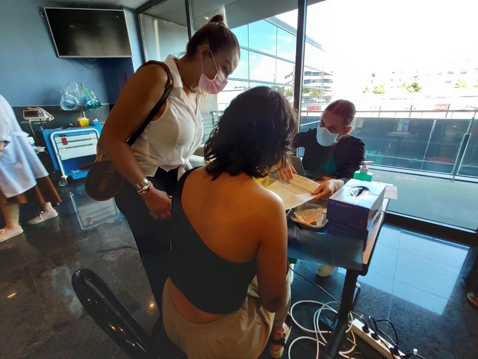 Acto de vacunación en la comunidad de La Rioja.