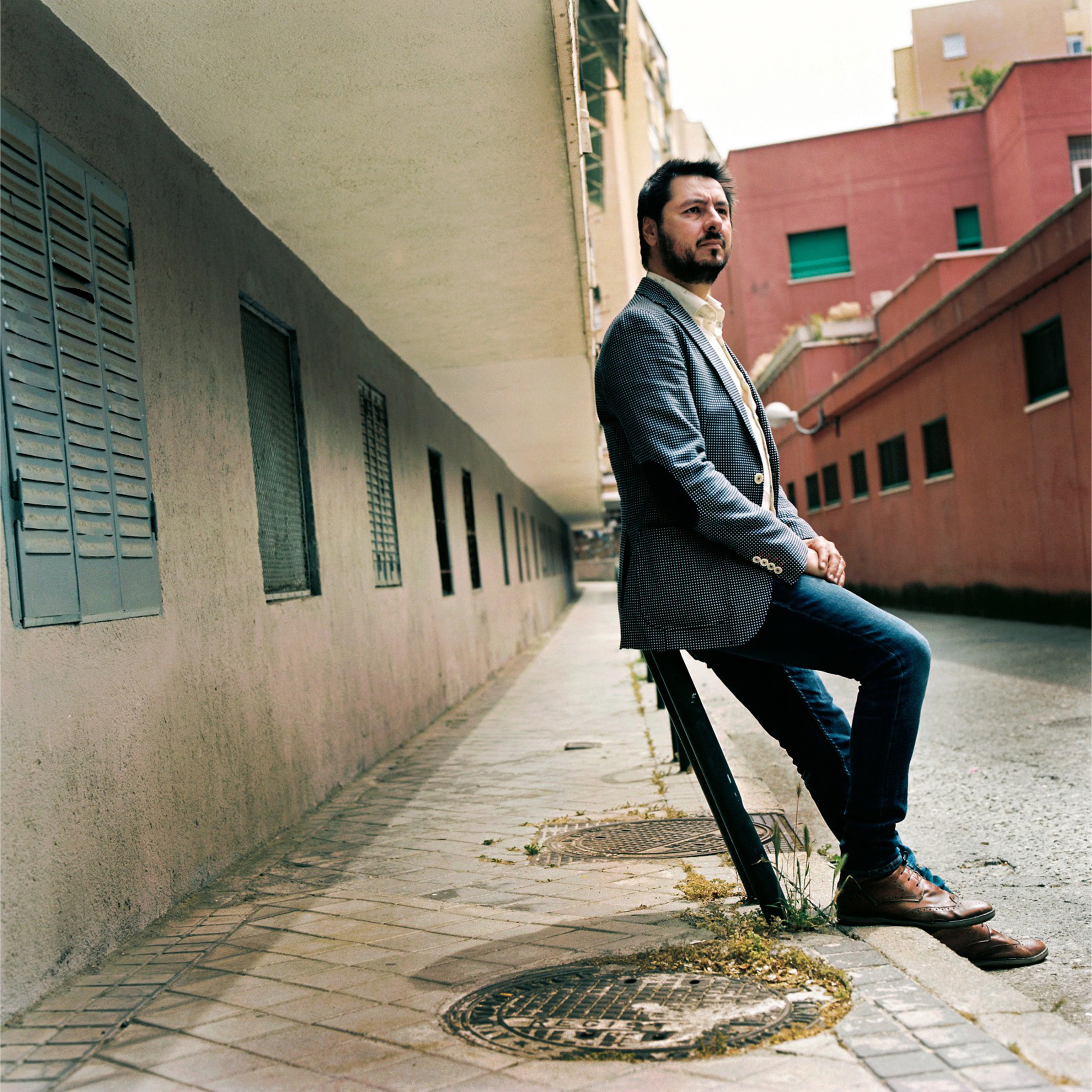 El articulista y poeta Antonio Lucas