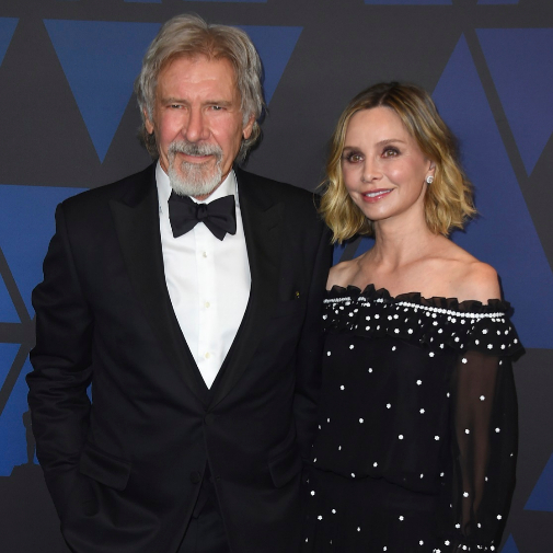 La pareja, muy asentada, formada por Harrison Ford (79) y Calista Flockhart (56).