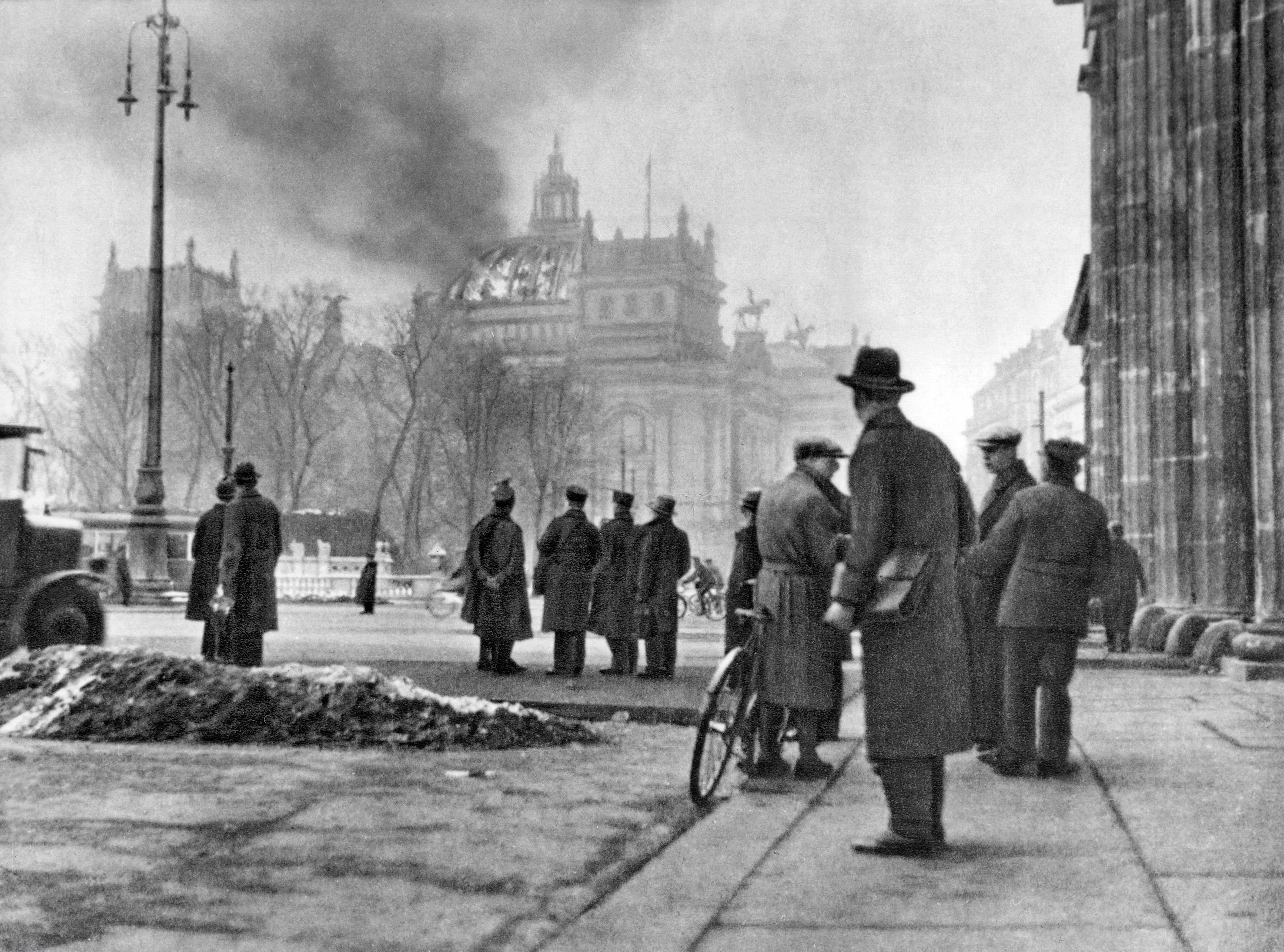Incendio del Reichstag, en febrero de 1933.