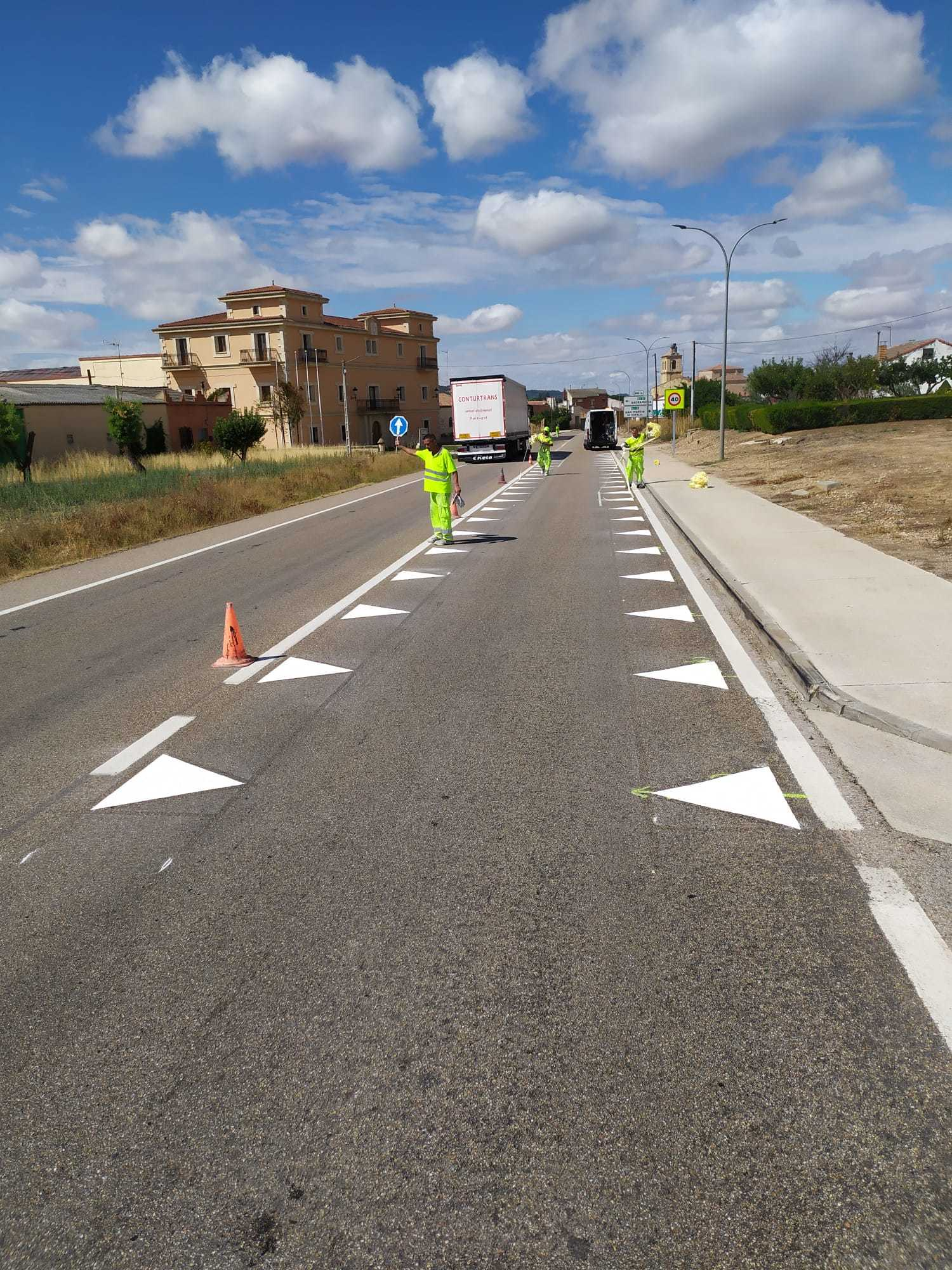 'Dientes de dragón' y 'líneas quebradas': las nuevas señales de las carreteras