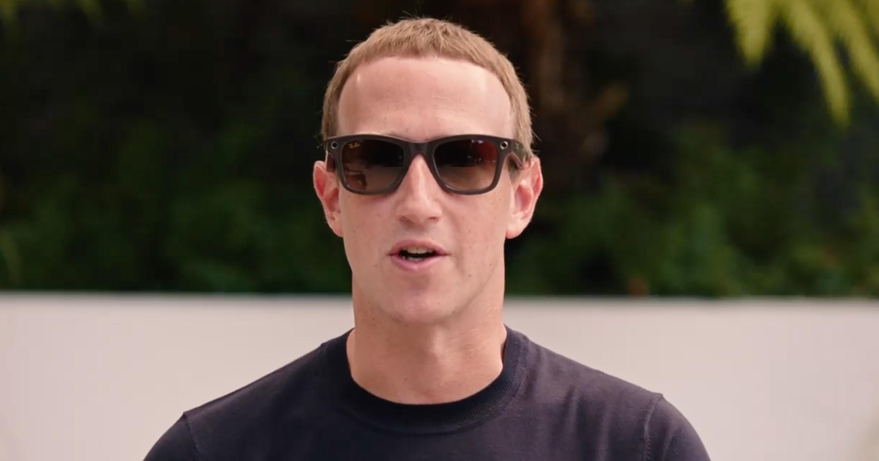 Mark Zuckerberg se prueba las nuevas gafas