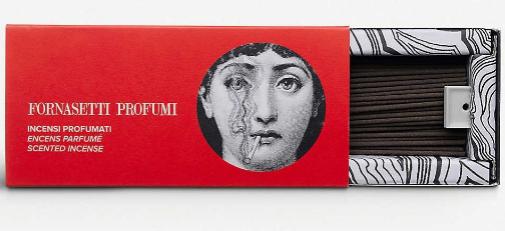 De Fornasetti Profumi, 80 sticks de incienso, 65 euros en Isolée.