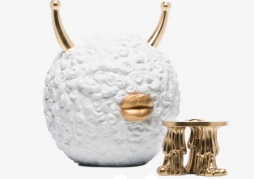Quemador de incienso de porcelana Monster de L'Objet x Haas Brothers, 1.319 euros en Farfetch.