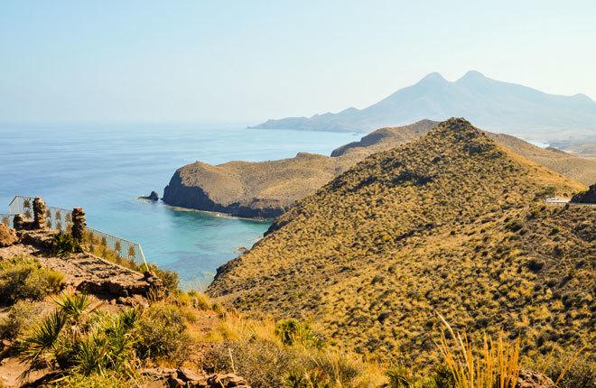 Vistas desde el barco en el Cabo de Gata.