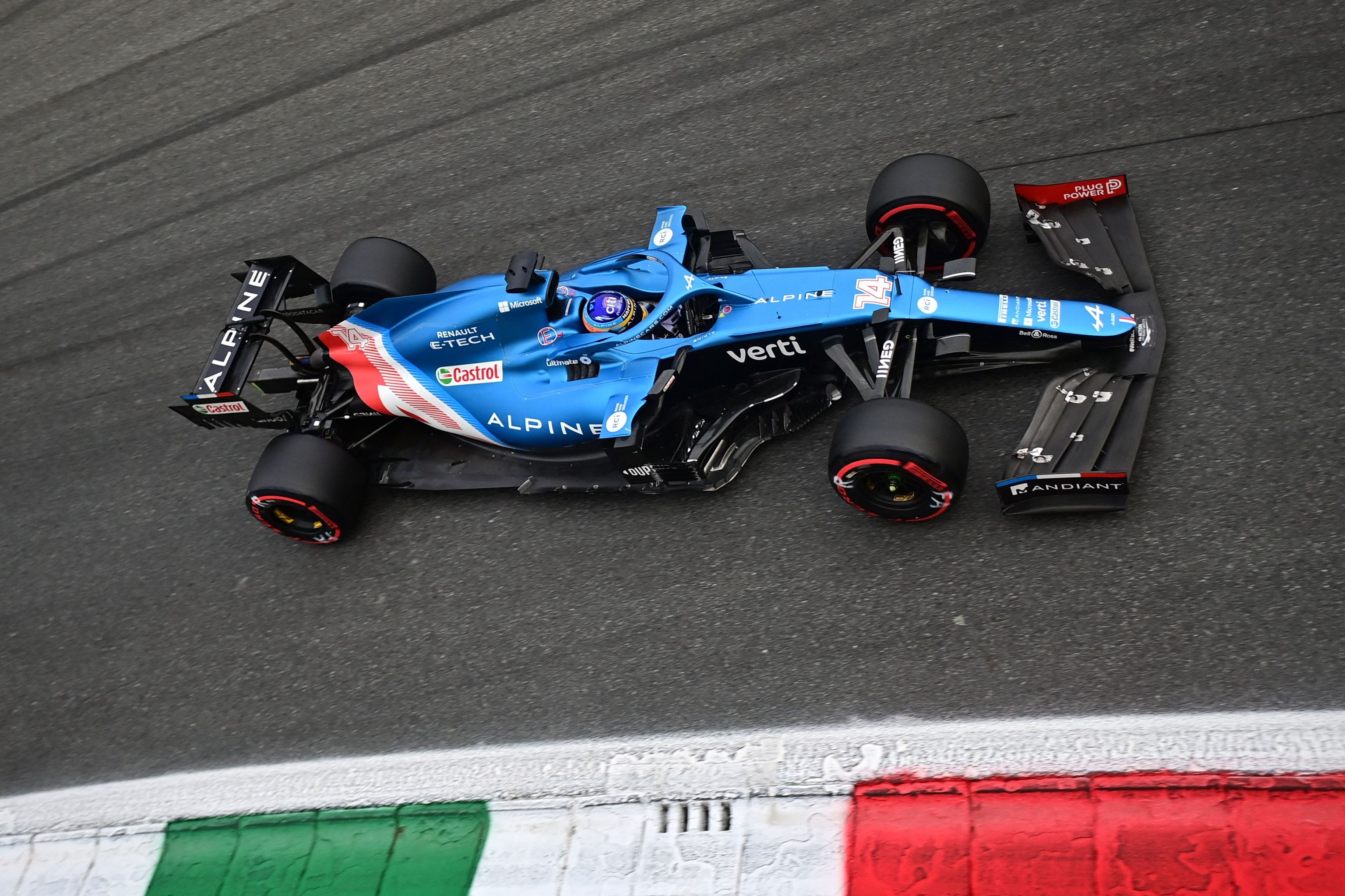 Alonso, al volante del A521, el viernes en Monza.