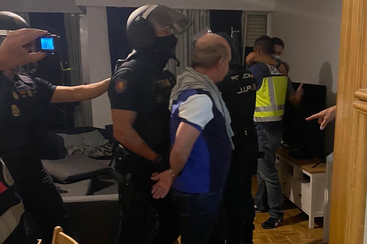 Hugo Carvajal, durante su detención en la noche del jueves en Madrid.