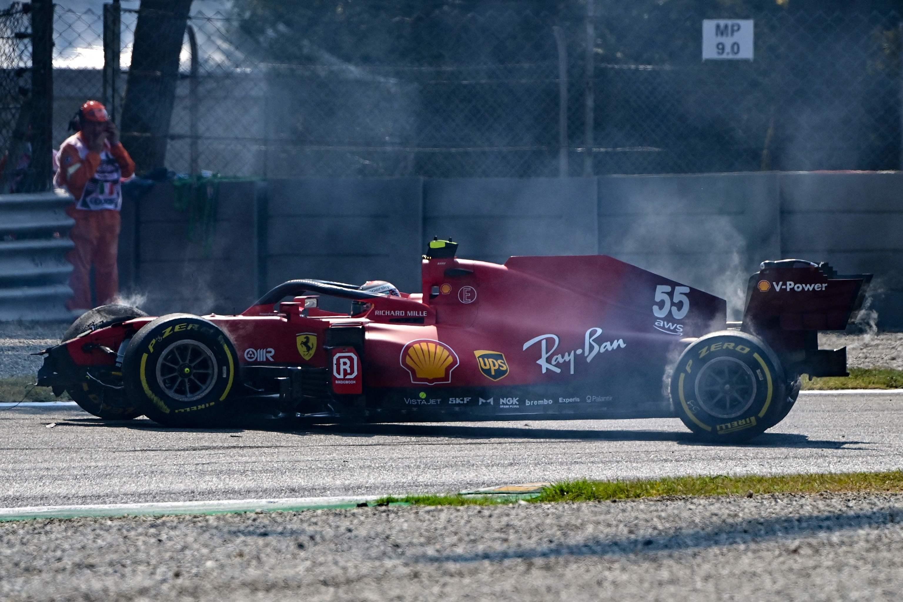 El SF21 de Sainz, tras el accidente del sábado en Monza.