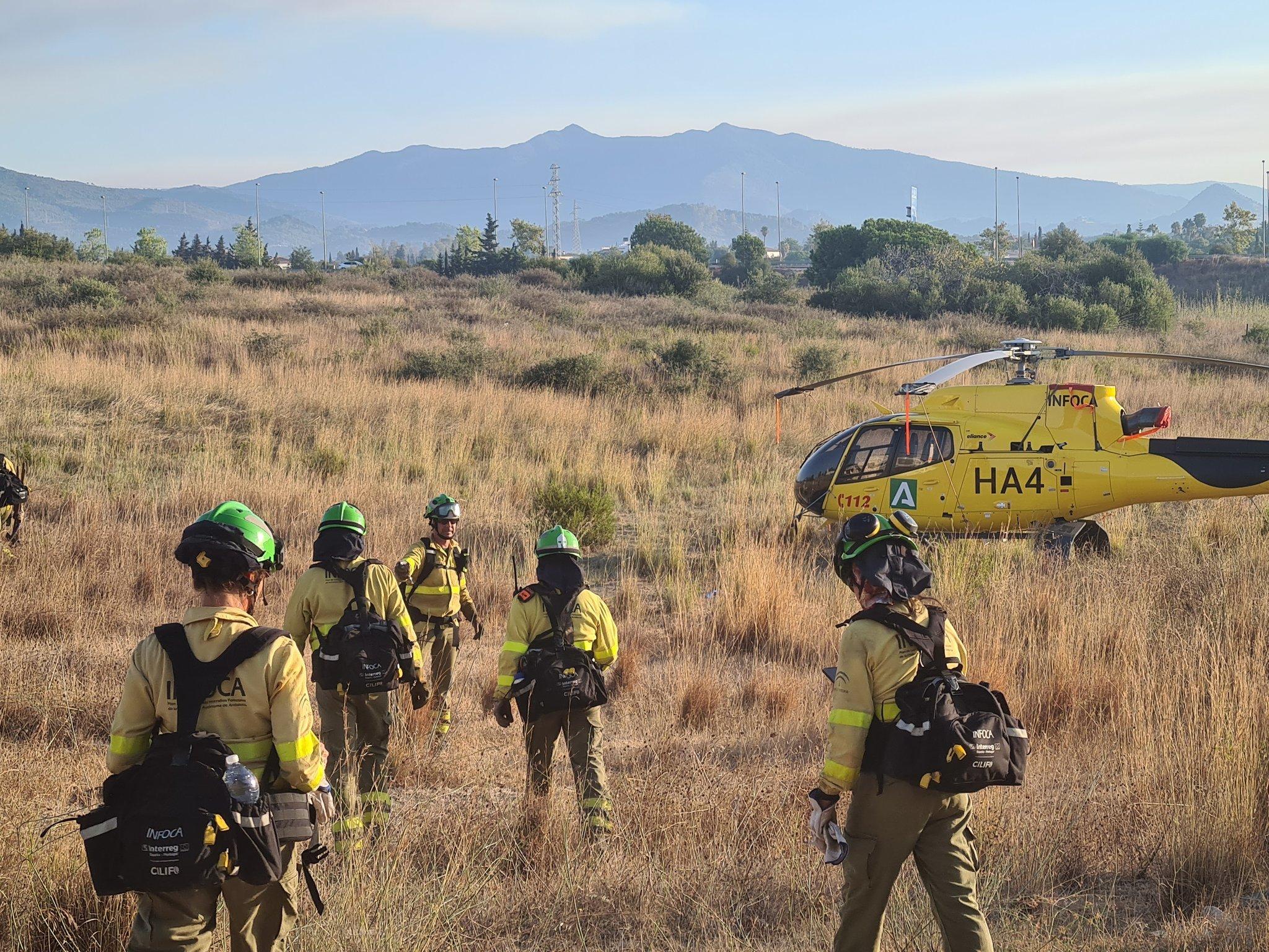 Un grupo de efectivos en la zona de Sierra Bermeja.