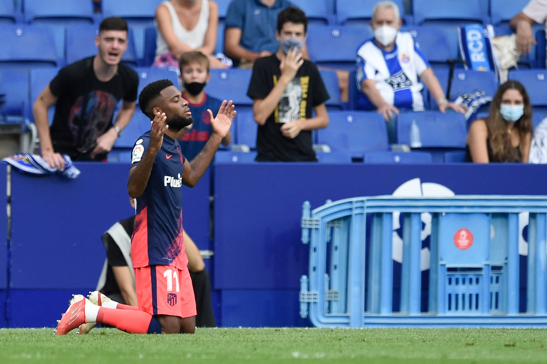 Lemar celebra su gol ante el Espanyol.