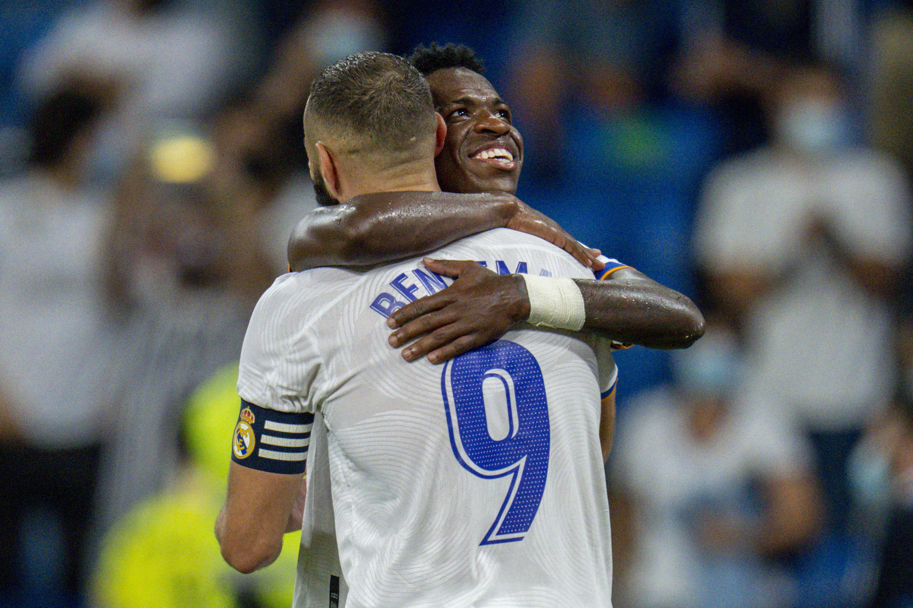 Vinicius celebra con Benzema su gol ante el Celta.