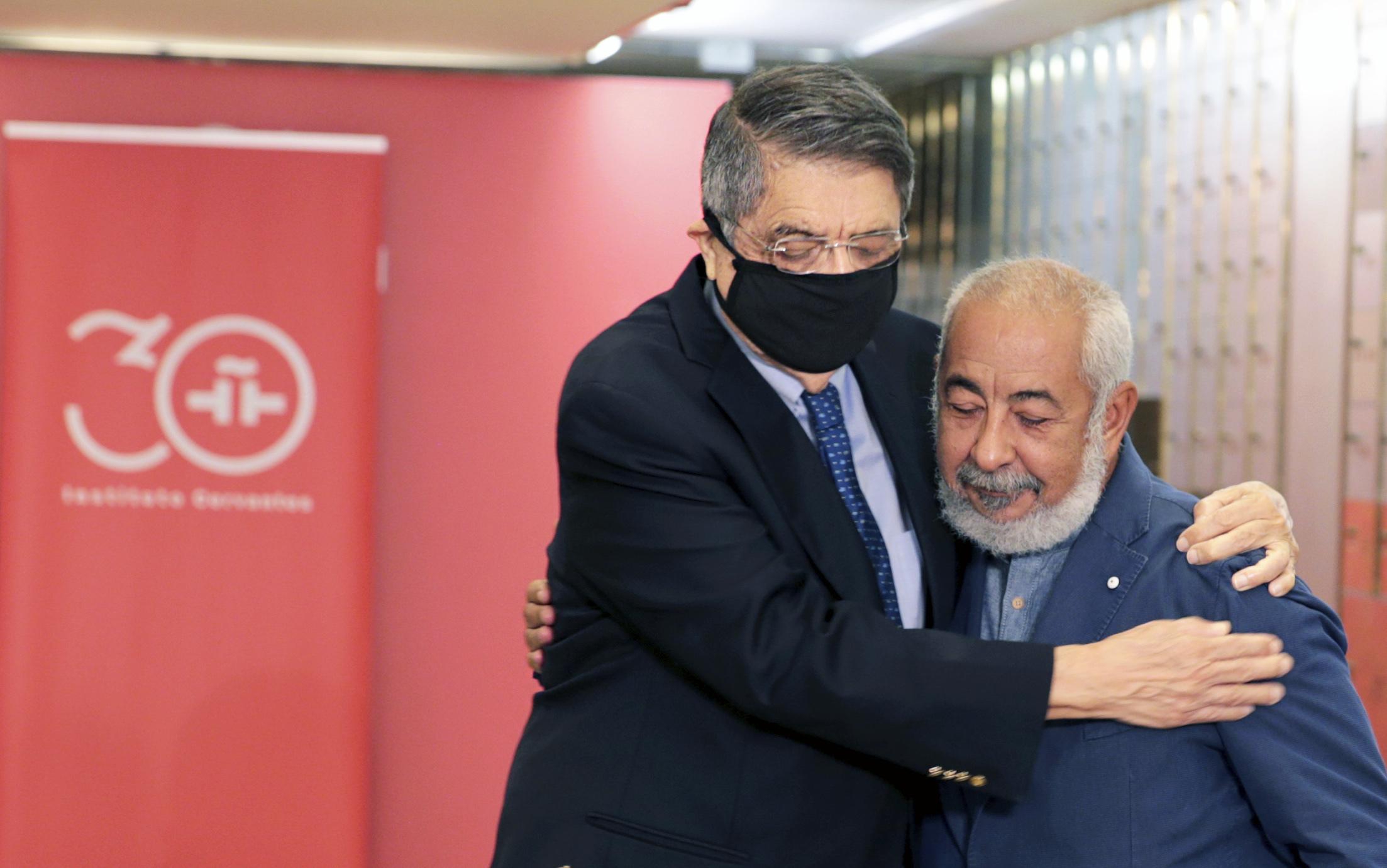 Sergio Ramírez y Laonardo Padura, hoy en Madrid.