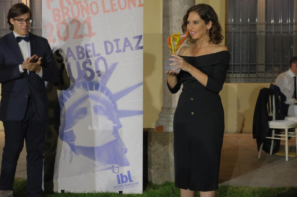 Mingardi, director del Instituto Bruno Leoni, y Díaz Ayuso.