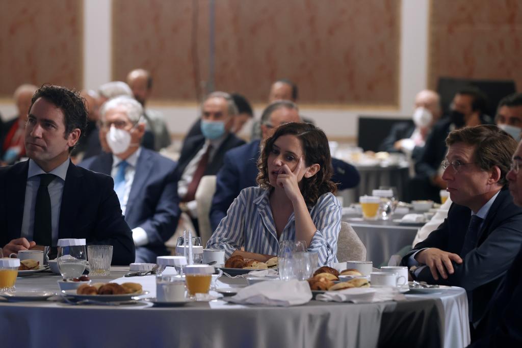 Teodoro García Egea, Isabel Díaz Ayuso y José Luis Martínez-Almeida.