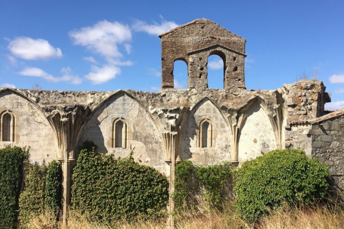 Ruinas del Monasterio San Francisco el Real de Coria.
