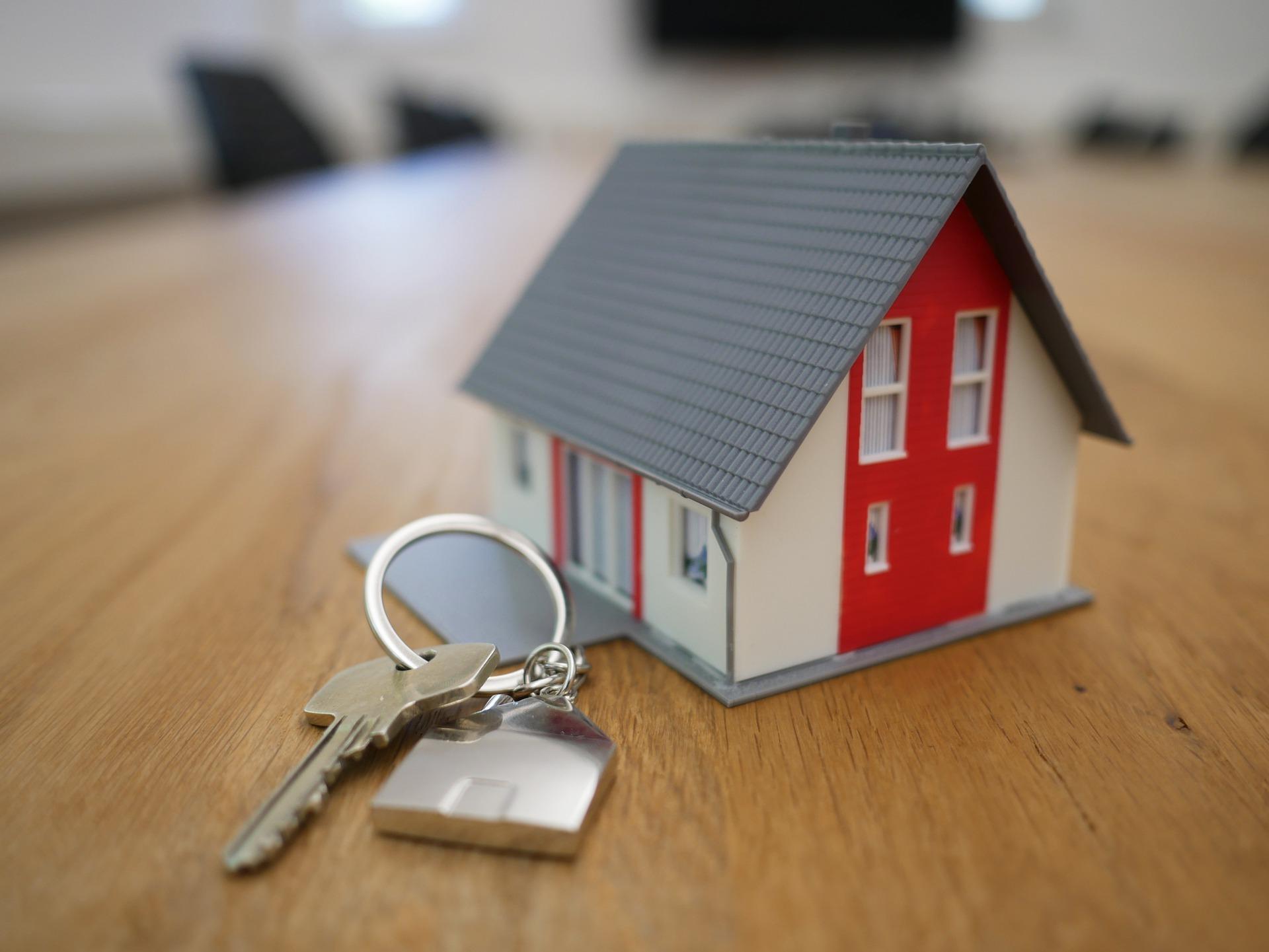 Las inmobiliarias 'online' no perciben comisiones, pero tampoco son gratuitas.