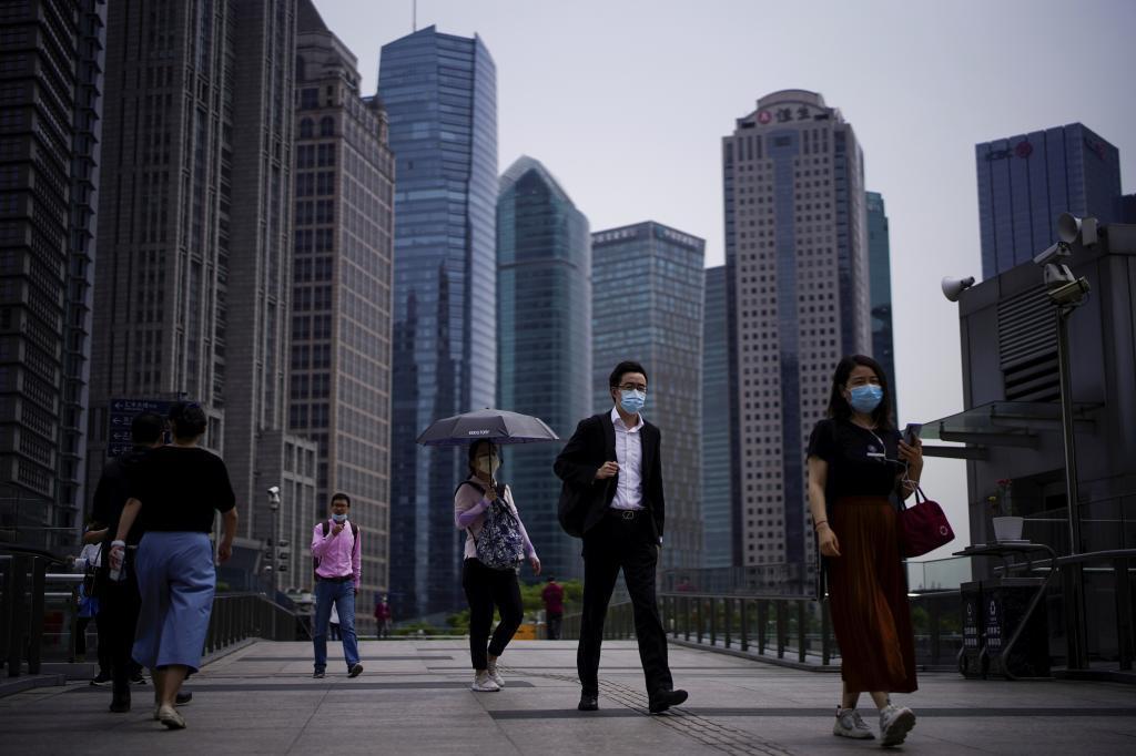 Muertes por exceso de trabajo: el fin del régimen 996 de China