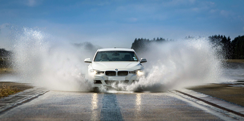 Llegan la tormentas y la lluvia: cómo evitar el 'aquaplaning' o reaccionar si se produce