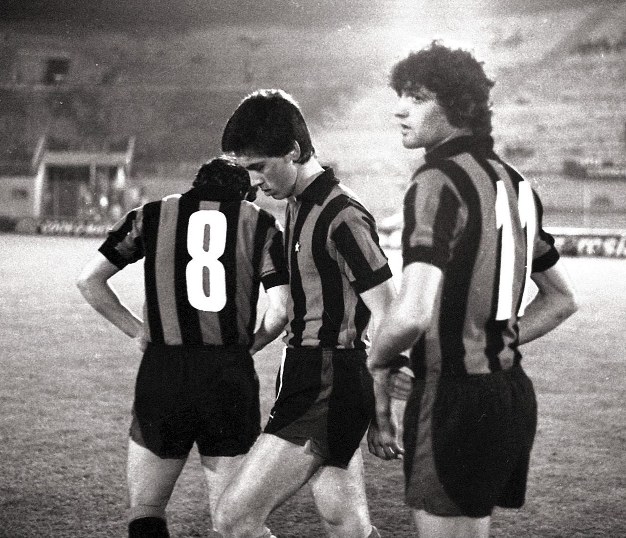 Ancelotti, en el centro, con 19 años, junto a Altobelli.