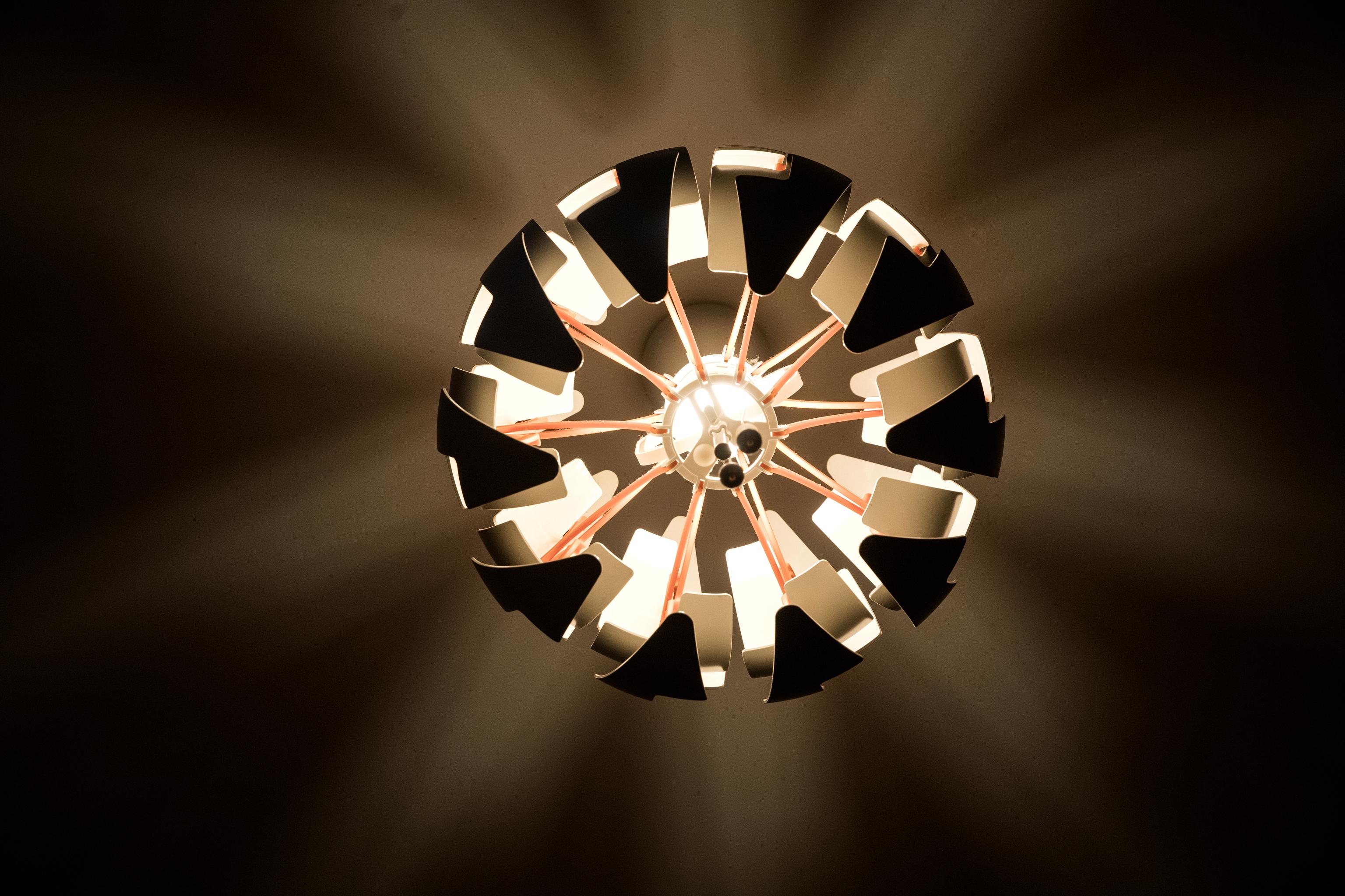 El precio de la luz sigue batiendo récords y se paga hoy a 188,18 euros/MWh