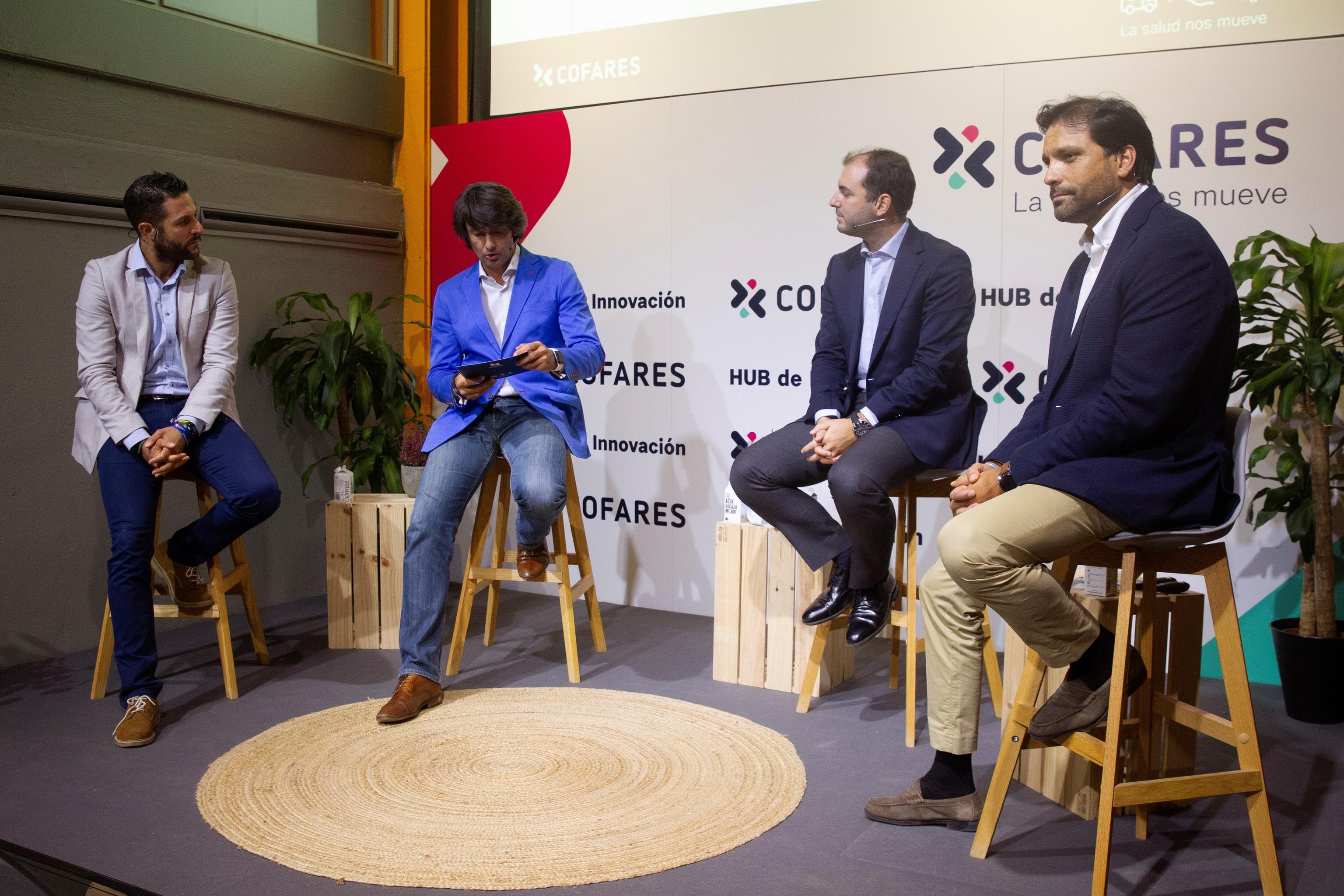 Alejandro de Anca, Pablo Caño, Luis Socías y Pablo Baleirón, ayer miércoles durante la presentación y lanzamiento de Fan Digital, un proyecto de Cofares.