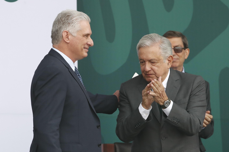 Miguel Díaz-Canel (izquierda) y López Obrador, este jueves en Ciudad de México.