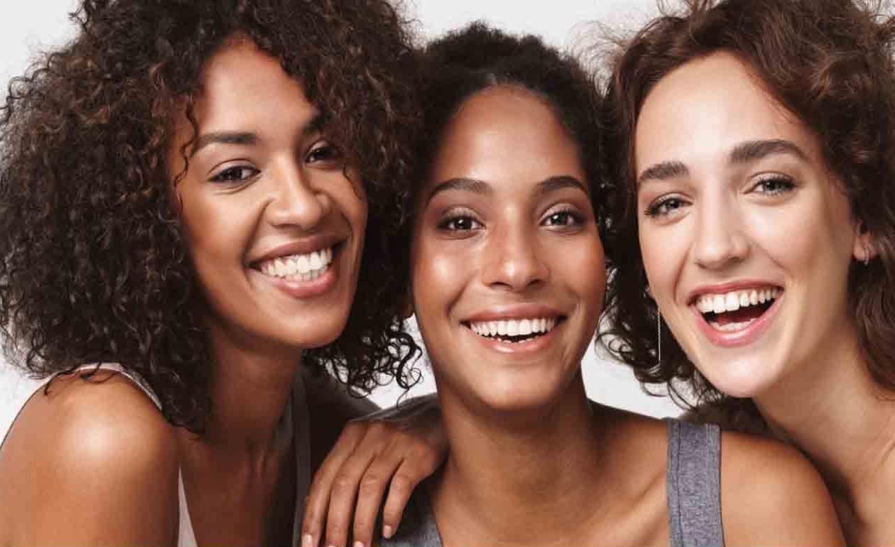 Avon cumple 135 años en pleno cambio de la venta directa al e-commerce