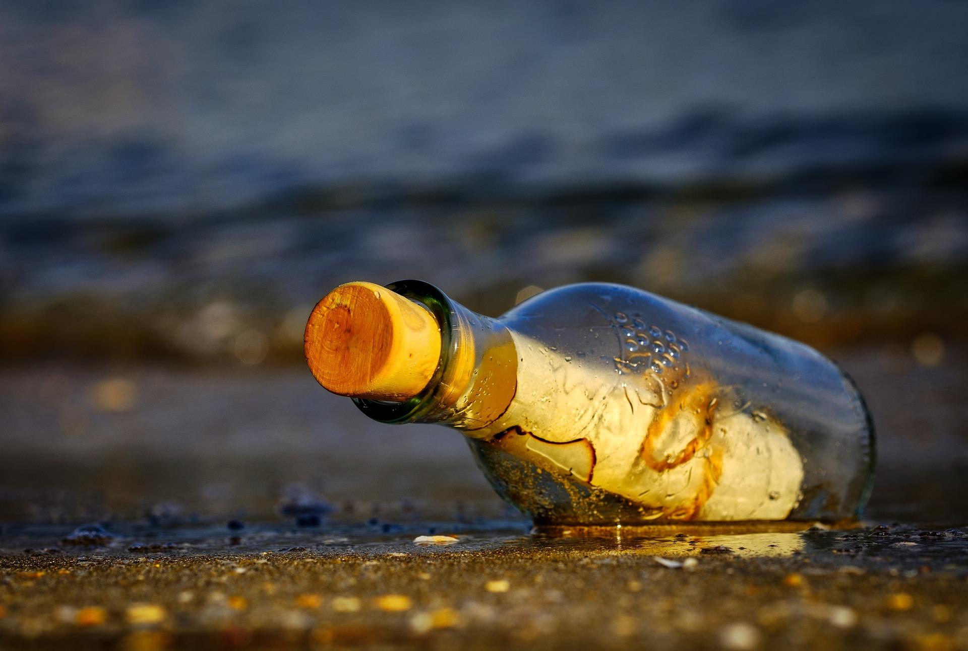Foto archivo mensaje en botella.