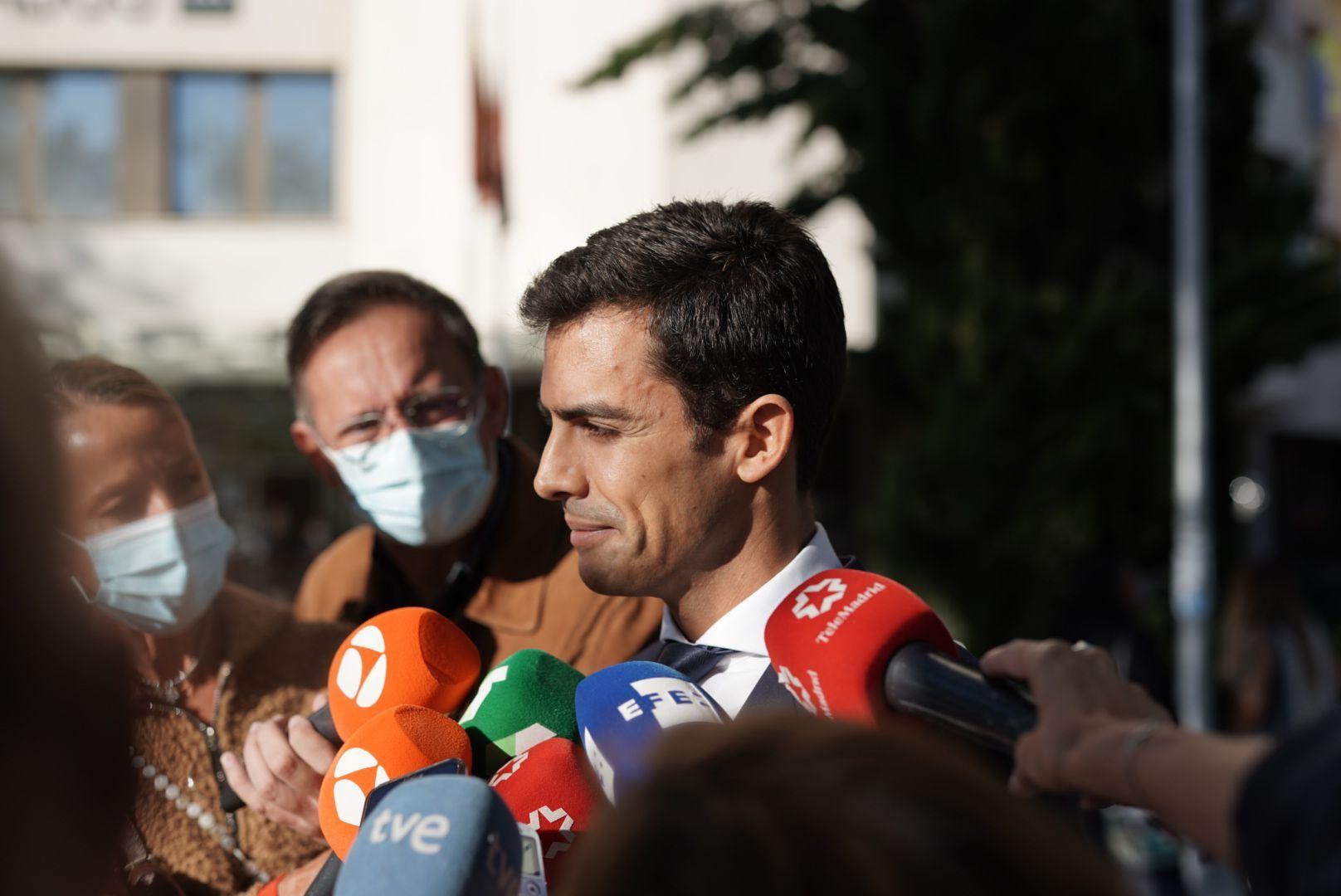 Juan Gonzalo Espina abogado del inquilino del piso