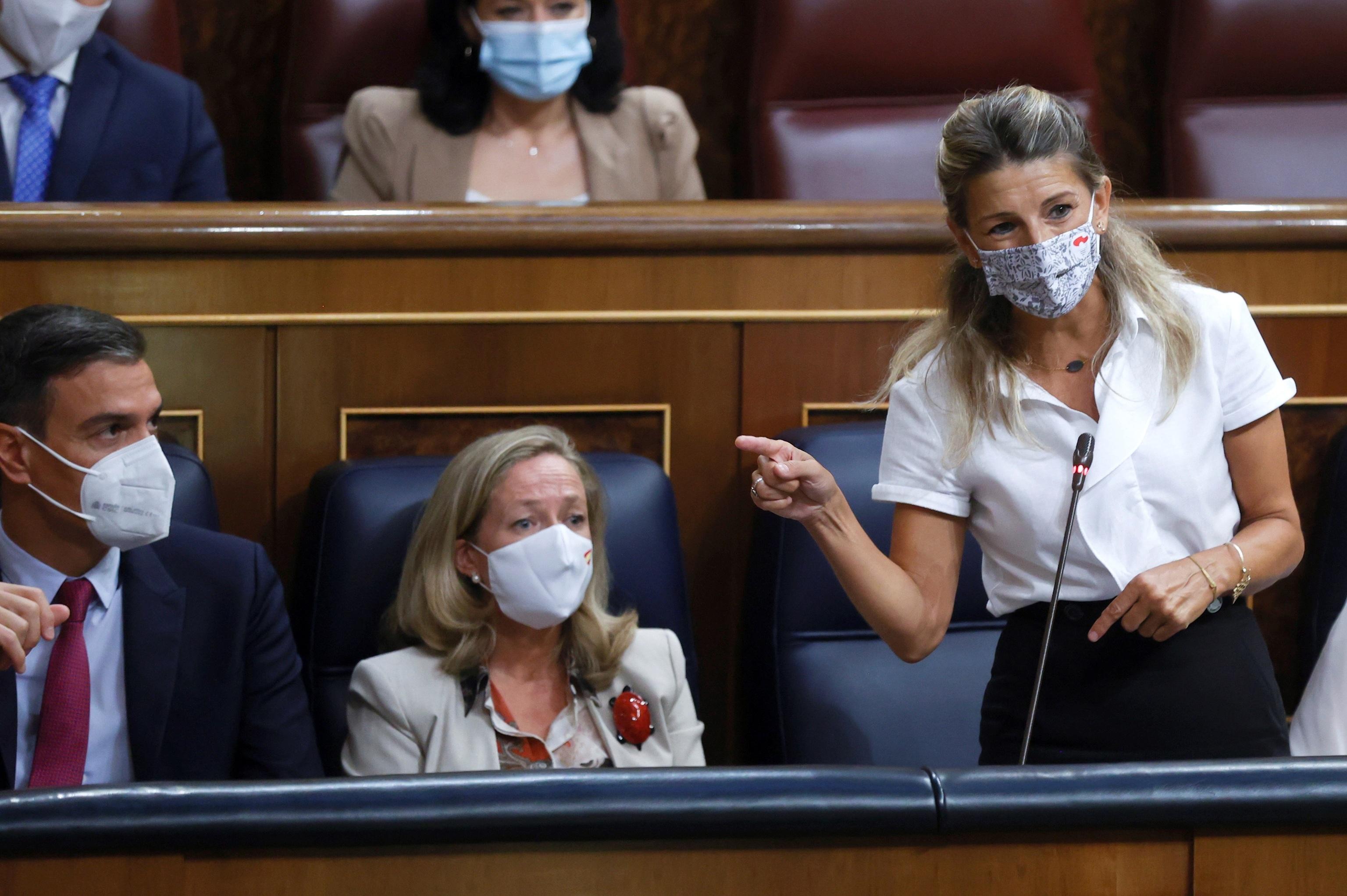 Yolanda Díaz, vicepresidenta segunda y ministra de Trabajo, toma la palabra en el Congreso.