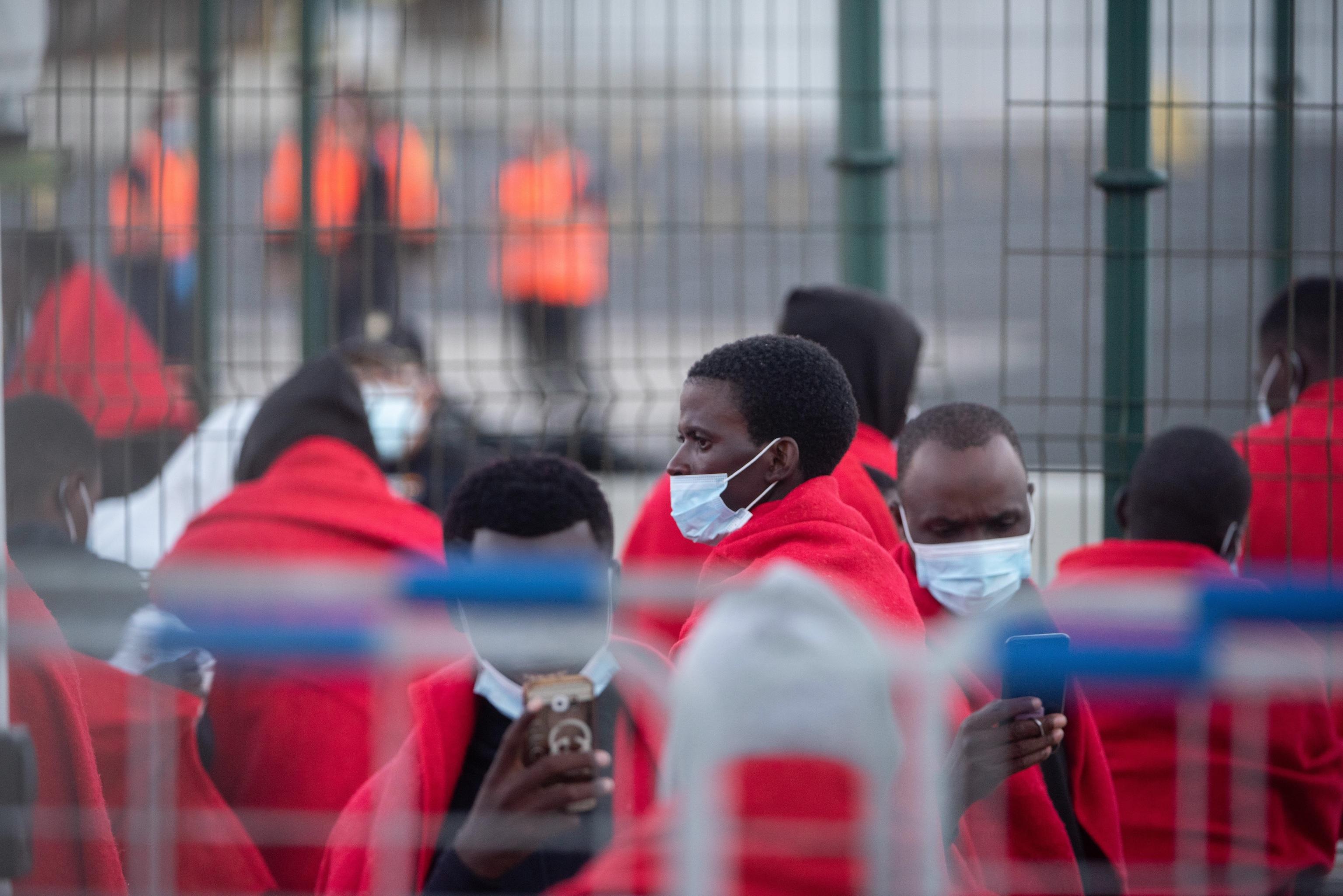 Rescatan cuatro embarcaciones con casi 200 migrantes en aguas canarias