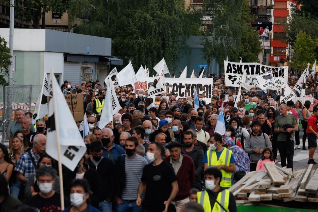Manifestación en Mondragón organizada por Sare, este sábado.